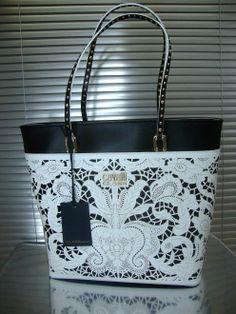 NEW SS2014 $985 ROBERTO CAVALLI CLASS BELLA SHOPPING BAG BLACK / WHITE CBI007