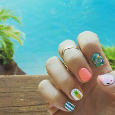 Summer nails #nailart #pineapple #flamingo