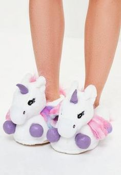 White Unicorn Slippers - How scary is it that I love these? But I think they should have more rainbows. Heated Slippers, White Slippers, White Unicorn, Nighty Night, Unicorn Birthday Parties, Sleepwear Women, Pansies, Missguided, New Shoes