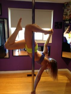 Featured PoleFreak: Shelby Blom