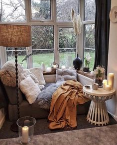 Attempt to choose what you are interested in getting the room to feel like. Then think of the activities that you do in your living room. Living Room Designs, Living Room Decor, Small Room Design, Dream Rooms, My New Room, Design Case, House Rooms, Cozy House, Activities