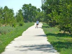 Inline skater enjoys the Platte River Trail north section near Denver, Colorado.