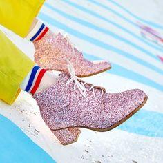 Especiales para llevarlos a pasear cualquier día de la semana! Los usarías?  #FreshRevista #Fashion #Shoes #love