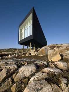 Fogo Island Artist Studio by Saunders Architecture We love this rocky beachside house built on eastern seaboard of Canada. The owners won't let just anyone live there though - you have to be an artist that applies and is accepted first. More info here. Architecture Cool, Contemporary Architecture, Contemporary Houses, Architecture Wallpaper, Minimalist Architecture, Studio Build, Escape Plan, House Built, Modern Design