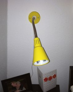 Beside Wall mounted reading lamps (2): 3 Euros each or 4 Euros for both.