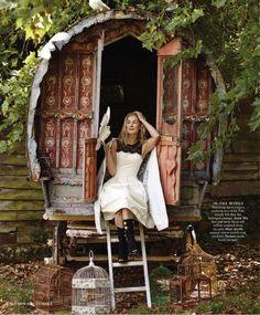 Caravan Gypsy Vardo Wagon: A wagon. Gypsy Trailer, Gypsy Caravan, Gypsy Wagon, Bohemian Gypsy, Gypsy Style, Hippie Style, Gypsy Culture, Gypsy Home, Gypsy Living