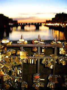 Legend has it that if the bride and groom attach a padlock to any surface of Ponte Vecchio bridge and then throw away the key into the Arno River below, their love will last forever. This is definatly happening! Places Around The World, The Places Youll Go, Places To See, Around The Worlds, Le Vatican, Beautiful World, Beautiful Places, Rome, Famous Bridges