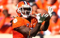 Clemson football is a celebrated, major NCAA Division I college football program. But to its devoted fanbase, it is tradition and a way of life in college football. Clemson University Football, Clemson Tigers, College Football, Football Tops, Football Helmets, Sammy Watkins, Tiger Girl, Football Program, Wide Receiver
