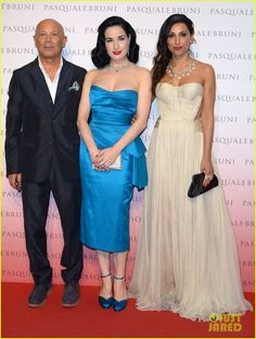 dita von teese is lady in blue at pasquale bruni 01 Dita Von Teese keeps it bright in a gorgeous blue dress while attending the Pasquale Bruni Secret Garden Cocktail Party on Thursday (June 18) in Milan, Italy.  …