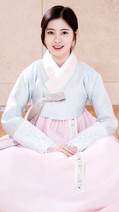 01.24.2017 DIA Interview in Hanbok | KStarPhotoNews