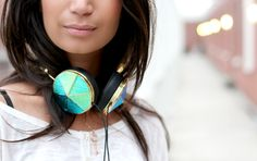#FRENDS Taylor #Headphones :) via beautylab.nl