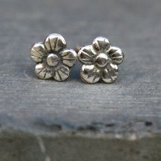 Sterling Silver Post Earrings - Sweet Flowers