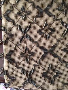 Indian Embroidery, Beaded Embroidery, Cross Stitch Embroidery, Embroidery Patterns, Beautiful Handbags, Bargello, Stitch Design, Beaded Lace, Blackwork