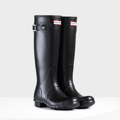 The classic welly by Hunter. Stylish, not too bulky and goes with just about anything. Original Tall Rain Boots | Hunter Boot Ltd