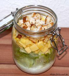 Ein einfaches Rezept für ein Caesars Salad als Salat im Glas. Lässt sich sehr gut vorbereiten und bleibt lange frisch und lecker.