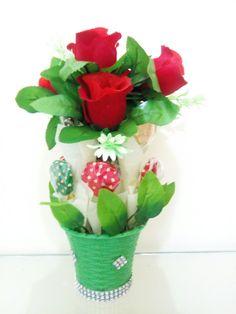 Flower vase with chocolates A unique conceptual chocolate bouquet