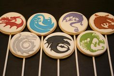 How to train your dragon | Cookie Connection. Not sure I would ever be able to do these but they are awesome.