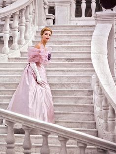 Princess Grace of Monaco photographed by Conant on the Palace in Monaco for French Vogue, in The most elegant and beautiful, Grace Kelly. Timeless Beauty, Classic Beauty, Glamour, Princesa Grace Kelly, Patricia Kelly, Jessica Parker, Ansel Adams, Amazing Grace, Royal Fashion