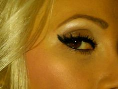 Holly Madison's eye makeup. Her inspiration was a 1950s Barbie.