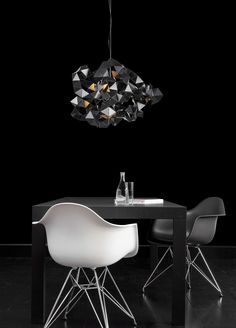 Charming Designed By William Brand, The Fractal Chandelier Resembles A Repeating  Pattern/puzzle, Yet Due To Its Organized Chaos, The Light Disperses In All  ... Amazing Design