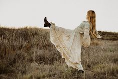 Dancing in this open field while embracing the shapes her body was capable of making Artistic Fashion Photography, Modern Photography, Outdoor Photography, Creative Photography, Photography Poses, Creative Portraits, Folklore, Emotional Photography, Photo Sessions