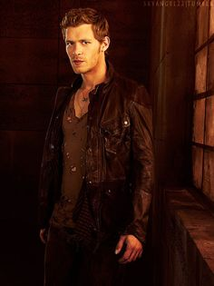 "Everyone, this is Klaus from "" #TheVampireDiaries."" Klaus, this is everyone! 
