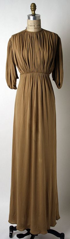 1939 Claire McCardell Evening dress Metropolitan Museum of Art,NY. See more vintage fashion museum collections by decade at http://www.vintagefashionandart.com/dresses
