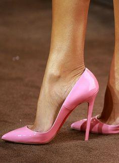 ~~bright pink pointy toe pumps |  Shoe detail of Victoria's Secret model Selita Ebanks by Stephen Lovekin~~