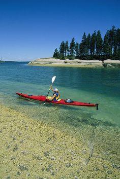✮ Woman kayaking, Penobscot Bay, Maine #kayaktrips