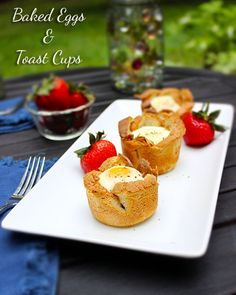 Baked Eggs and Toast Cups #Recipe #Breakfast #Brunch