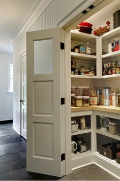 a great pantry and not a lot of space www.vegoutwithlinda.com