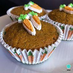 Cupcakes de zanahoria y chocolate Cake Pops, Muffins, Breakfast, Postre Chocolate, Chocolate Morsels, Cupcake Recipie, Homemade Recipe, Cakes, Carrot Muffins
