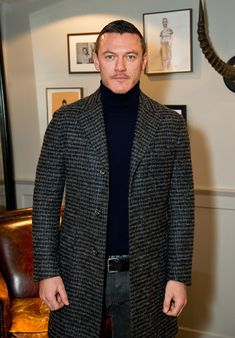 Luke Evans Photos Photos - Luke Evans at the LATHBRIDGE By Patrick Cox presentation during The London Collections Men AW16 on January 11, 2016 in London, England. - LATHBRIDGE by Patrick Cox - Presentation - London Collections Men AW16