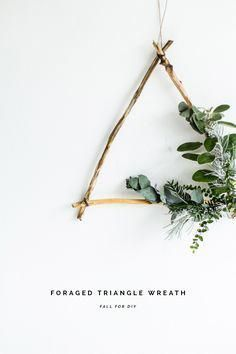 DIY Foraged Triangle Christmas Wreath (Fall For DIY) *This post is sponsored by The Chamber If you haven't got it already (where have you been?) I am big on the Christmas crafting. And obviously I'm big on craft and DIY anyway - I have pursued it al Noel Christmas, Christmas Wreaths, Christmas Crafts, Xmas, Christmas 2019, Christmas Countdown, Natural Christmas Decorations, Christmas Salon, Bohemian Christmas