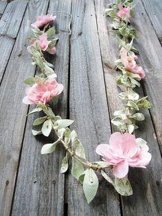 Two Shades of Pink: Fabric Vine Part Petal Flowers - Papier Blumen - Flower Garland Paper Flower Garlands, Rose Garland, Fabric Garland, Leaf Garland, Floral Garland, Felt Flowers, Diy Flowers, Fabric Flowers, Paper Flowers
