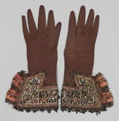 Vintage embroidered gloves