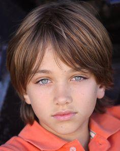 Gavin Casalegno is very cute Boy Haircuts Long, Bowl Haircuts, Little Boy Haircuts, Boy Hairstyles, Cute 13 Year Old Boys, Young Cute Boys, Cute Teenage Boys, Teen Boys, Young Boys Fashion