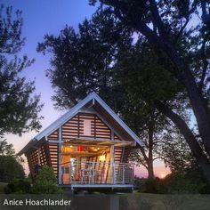 """Umweltfreundliches Raumwunder: Architekt **Jeff Broadhurst** zeigt mit seinem Entwurf **""""The Crib""""**, wie man auf knappen 23 Quadratmetern umweltbewusst und…"""