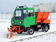 Lorries Although we pay less, but how this is actually a truck? IFA Multicar , then only Multicar , or even Kinderkamion or multikráva , that was a long … East German Car, Beast From The East, Snow Plow, East Germany, Smart Car, Commercial Vehicle, Semi Trucks, Zine, Cars And Motorcycles
