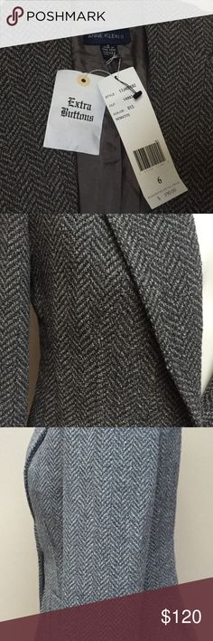 """🆕 ANNE KLEIN II Grey Tweed Wool Blend Blazer 6 Beautiful high quality wool blend tweet blazer from the Anne Klein II collection, retails for $390!  Fully lined with two front pockets and single button closure.  Has shoulder pads and comes with extra buttons.  3 button closure on cuffs.  Item comes from a smoke free home.  75% wool, 25% nylon (Measurements are garment lying flat) Armpit to armpit: 18"""" Waist: 16"""" Sleeve:  23"""" Length (bottom of collar, center back to hem): 25.5"""" Anne Klein II…"""