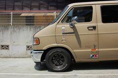 ' Dodge Vans in Japan. Dodge Van, Chevy Van, Sportsmobile Van, Dakota Truck, Ram Power Wagon, Van Racking, Step Van, Vanz, Camper Caravan