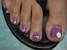 cute design on a pedicure