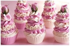 The Happy Housewife and her soap obsession: Yummy Cake Slice Soap and a few Cupcakes too