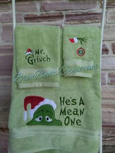 Grinch Bathroom Towel Set For Christmas Day Grinch Christmas Decorations, Christmas Themes, All Things Christmas, Christmas Holidays, Christmas Crafts, Christmas Ornaments, Decorating For Christmas, Christmas 2017, Ideas For Christmas