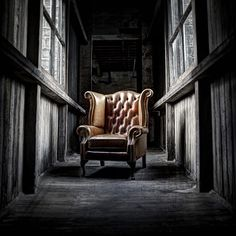 Chesterfield chair - Loop Photography