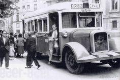 Autobús en plaza rinconada años 40?