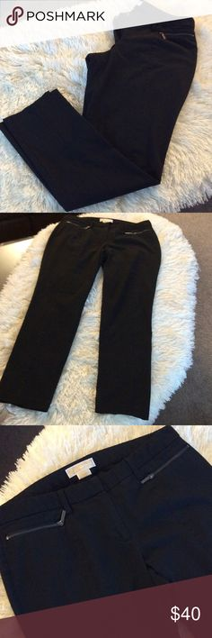 """MICHAEL Michael KORSankle dress/casual pants Preowned in excellent condition, length from waist is 40"""", waist  is 35"""" all around MICHAEL Michael Kors Pants Ankle & Cropped"""