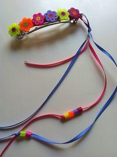 Gancho de flores  Hama Beads. DIY - Melted HAMA Bead Flower Barrette