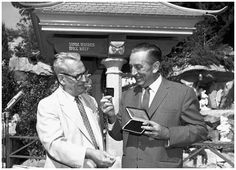 Walt & the President of Variety Clubs International (sponsor) at the dedication of the Wishing Well in Snow White's Grotto. Old Disney, Vintage Disney, Disneyland Opening Day, Club International, Disneyland California Adventure, Walter Elias Disney, Disney Stars, Wishing Well, Vintage Pictures
