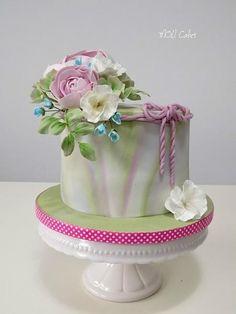 Pastel cake  by MOLI Cakes